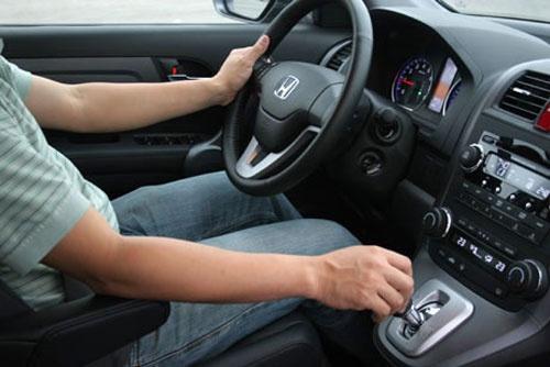 Cách Lái Xe Số Tự Động Tiết Kiệm Xăng