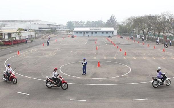 Độ tuổi thi bằng lái xe máy tại Việt Nam